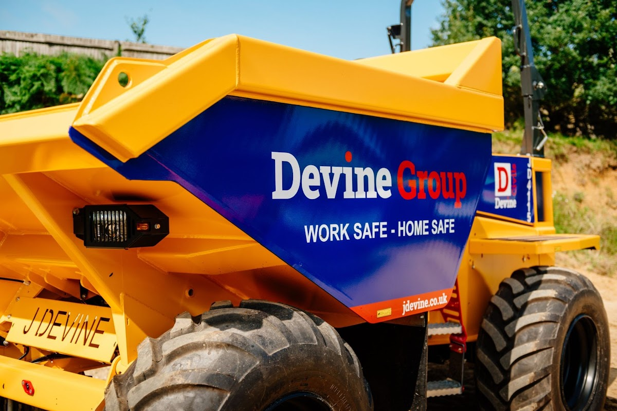 The Thwaites 9 tonne, Stage V dumpers are manufactured with contractors and hirers in mind.